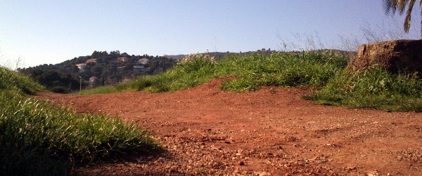 La terre rouge du quartier Fabrégas