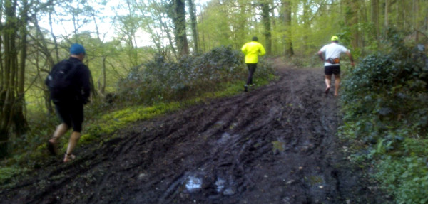 Dans la boue des chemins
